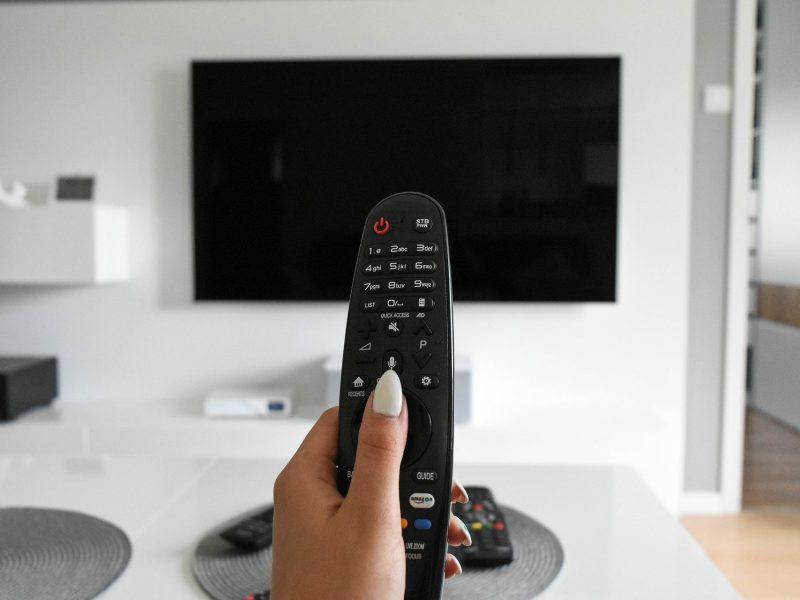 tv-4308537_1920